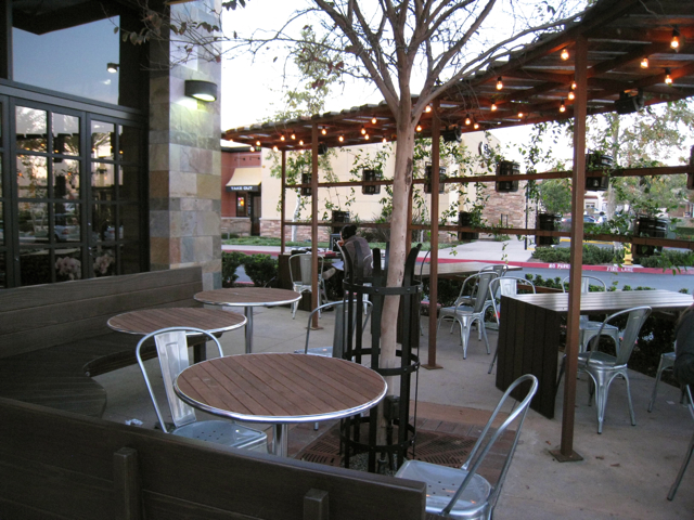 Dripp - Chino Hills outdoor seating