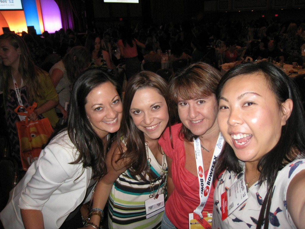 Socal lady bloggers at blogher12