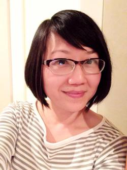 custom-calligrapher-linda-yoshida-bio