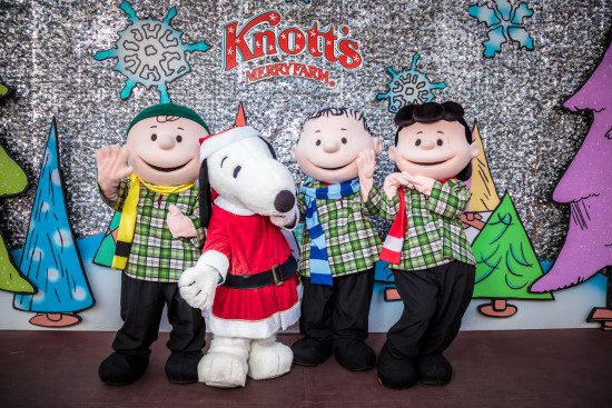 Peanuts Characters - knotts merry farm