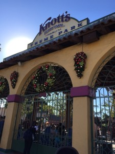 Knott's Merry Farm: Let It Snow, Charlie Brown!